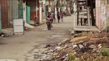 Dados do IBGE apontam que desigualdade cresceu no Brasil entre 2016 e 2017 - Mais um retrato do Brasil divulgado pelo IBGE. Esses dados mostram que estamos andando para trás nas condições de vida oferecidas à população. Aumentou o número de brasileiros na linha da pobreza nestes anos.