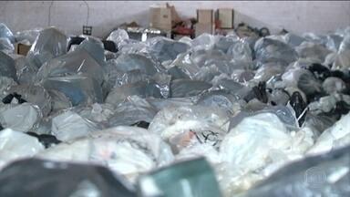 Polícia do Tocantins investiga deputado por suposto descarte irregular de lixo hospitalar - Material foi encontrada em propriedades da família de Olyntho Neto. Deputado nega ligação com a empresa responsável pelo descarte.