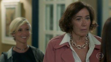 Valentina manipula Laura - Vilã quer que a jovem convença Olavo a investir na construção de uma torre de telefonia em Serro Azul