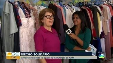 Brechó solidário arrecada dinheiro para manutenção da AMO - A repórter Janaína Rezende tem mais informações.