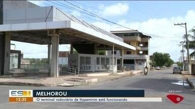 Após quatro anos fechado, terminal rodoviário de Itapemirim volta a funciona - Ainda tem guichês parados, mas quem usa o local afirma que situação melhorou muito.