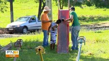 Grupo realiza limpeza de praça no Jardim Santa Mônica - Ação ocorreu neste sábado (8), em Presidente Prudente.