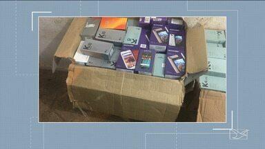 400 celulares roubados são encontrados pela polícia em Imperatriz - A polícia acredita que os telefones celulares tenham sido roubados de uma loja de departamentos em Imperatriz.