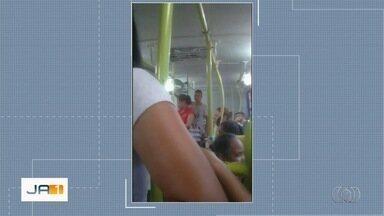 Passageiros denunciam que motorista abandonou ônibus do transporte público, em Goiânia - Segundo os passageiros, condutor ficou estressado porque tinha de receber o dinheiro da passagem.