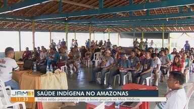 Índios ajudam a construir nova unidade básica de saúde por falta de médicos no AM - Mais de 17 mil índios são afetados pela falta de médicos no distrito.
