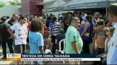 Vítimas de ação em Milagres são veladas - Dos seis reféns mortos, cinco eram de Serra Talhada (PE). A cidade parou durante velório das vítimas