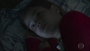 Priscila acorda e interrompe os planos de Isabel - Felipe influencia Priscila a atrapalhar o namoro de Alain e Isabel