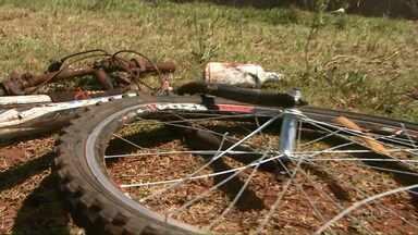 Ciclista é atingido e morre na BR - 277 - A suspeita é que o carro estava sendo perseguido