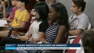 """Prefeitura realiza """"aulão"""" para revisar conteúdo do vestibular - Provas da UEM começam neste domingo"""