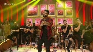 Dilsinho canta '12 Horas' - Confira a apresentação
