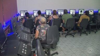 Polícia fecha casa clandestina de jogos em Sorocaba - Uma casa clandestina de jogos foi fechada pela Polícia Civil, na noite desta quinta-feira (13), na região do Largo do Líder, no bairro Santa Rosália, em Sorocaba (SP).