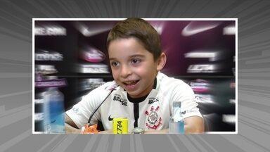 Crianças realizam o sonho de jogar futebol como profissional na Arena Corinthians - Crianças realizam o sonho de jogar futebol como profissional na Arena Corinthians