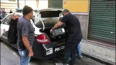 Polícia do Rio faz apreensões em endereços ligados ao vereador Marcelo Siciliano, do PHS - A operação faz parte das investigações da morte de Marielle Franco e do motorista Anderson Gomes.