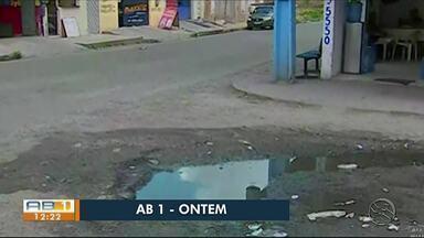 Problema de esgoto estourado é resolvido em Caruaru - Problema era no bairro Indianópolis.