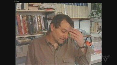 Polícia Federal diz que Cesare Battisti está em 'local incerto' e é considerado foragido - Ministro do STF determinou a prisão do italiano, que foi visto pela última vez na terça no litoral de SP. Liminar que impedia extradição para a Itália foi revogada, mas decisão cabe ao presidente da República.