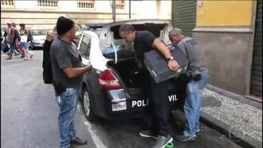 Caso Marielle: Polícia apreende cofre, computadores e documentos de vereador - Marcello Siciliano (PHS) se apresentou espontaneamente à polícia. Em maio, testemunha citou o vereador como um dos mandantes da morte de Marielle.