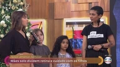 Mães solo dividem rotina e cuidado com os filhos - Fernanda e Carmem decidiram morar juntas para dividir experiências e formar uma família