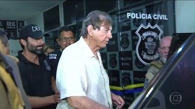Preso, João de Deus depõe, nega acusações e diz que foi ameaçado - TV Globo teve acesso ao depoimento do médium à polícia de Goiás. Ele disse desconhecer a movimentação de R$ 35 milhões em sua conta.
