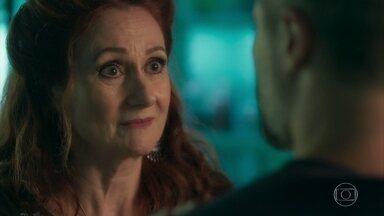 Milu aconselha Gabriel a apressar resultado de DNA - Ela diz que Judith só ajudará se souber que o rapaz é filho de Egídio