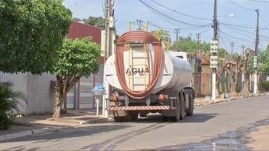 Moradores de bairros de Várzea Grande reclamam do abastecimento de água - Moradores de bairros de Várzea Grande reclamam do abastecimento de água.