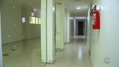 Municípios da zona sul do RS decretaram estado de calamidade na área da saúde - Pacientes estão sem receber remédios para tratamentos de doenças.