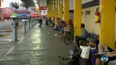Aumenta o movimento no Terminal Rodoviário de Itapetininga - Poucos dias para o Natal, o movimento aumenta na rodoviária.