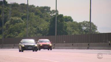 Movimento é tranquilo nas estradas do RS para volta do feriadão de Natal nesta quarta (26) - Ao menos 20 pessoas morreram em acidentes de trânsito entre sexta (21) e terça (25).