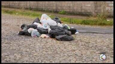Estamos de olho: veja a situação da polêmica envolvendo a coleta de lixo em Divinópolis - Atrasos em repasses deu início a paralisações na cidade que geraram acúmulo nas ruas. Apesar de acordo entre Prefeitura e empresa responsável, situação ainda não foi normalizada.