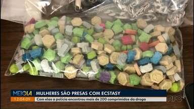 Polícia investiga mulheres que foram encontradas com ecstasy - A polícia acredita que elas ostentavam viagens incompatíveis com a renda.