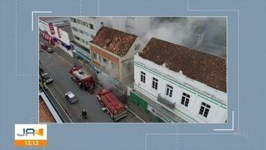 Incêndio atinge loja no centro de Mafra - Incêndio atinge loja no centro de Mafra.