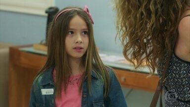 Priscila diz não querer ver Alain - Isabel tenta convencer a filha