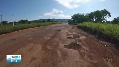 Motoristas reclamam de buracos na TO-020 que liga Palmas ao Jalapão - Motoristas reclamam de buracos na TO-020 que liga Palmas ao Jalapão