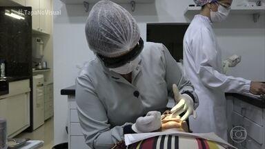 Sílvia começa sua transformação - Manauara vai à dentista e à dermatologista dar um 'Tapa no Visual'
