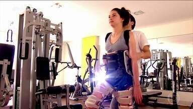 Laís Souza enfrenta maratona de exercícios e fisioterapia para tentar recuperar movimentos - A ex-atleta ficou paraplégica em um acidente e perdeu quase todos os movimentos, mas a vontade de seguir em frente continua mais forte do que nunca.