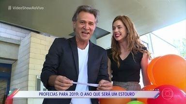 Elenco lê as previsões do 'Vídeo Show' para 2019 - Sophia Abrahão leva as profecias para a galera nos Estúdios Globo