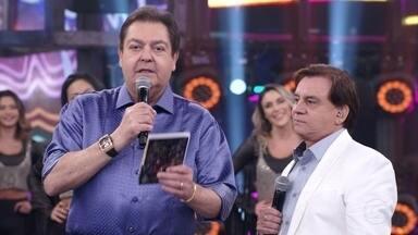 Participantes exaltam carreira de Chitãozinho e Xororó - Marisa Orth e Nívea Maria elogiam a dupla e dizem como suas canções marcaram suas vidas.