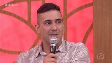 André Marques fala do medo da cirurgia bariátrica - Apresentador tinha certeza de que iria morrer