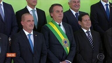 Bolsonaro tem agenda repleta de encontros nesta quarta (2) - Na posse nesta terça (1º), o presidente falou em reconstruir o país, a primeira dama, Michelle Bolsonaro também discursou.