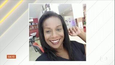 Mulher é morta com mais de 30 facadas pelo ex-marido no RJ - O crime aconteceu na frente do filho do casal logo depois do réveillon, na Zona Oeste do Rio.