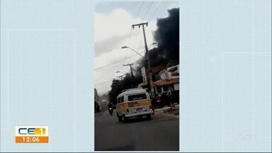 Ônibus é queimado na Cônego de Castro - Confira outras notícias no g1.globo/ce