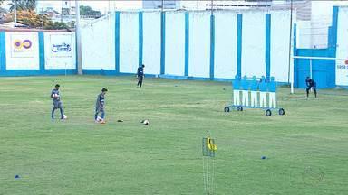 GE acompanha último treino do Confiança antes do embarque para SP - Dragãozinho estreia nesta quinta contra o Londrina.