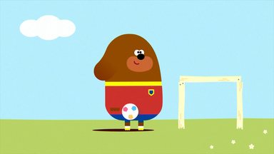 Duggee E O Distintivo De Futebol