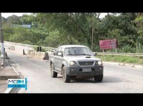 Obras na ponte que liga Fabriciano a Valadares não começam no prazo prometido - Local é de intenso tráfego de veículos e população cobra melhorias.