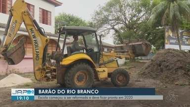 Após quase 5 anos interditado, prédio histórico de escola no AP recebe obra de restauração - Orçados em R$ 5 milhões, serviços na escola Barão do Rio Branco devem ser finalizados em um ano, prevê GEA.
