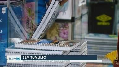 Papelarias e livrarias ainda têm baixo movimento em Manaus - Segundo empresário, livros estão mais caros este ano.