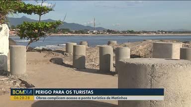 Obras complicam acesso a ponto turístico de Matinhos - A área acabou se tornando um perigo para os turistas.