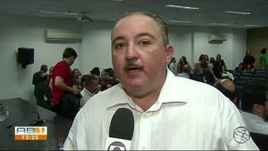 André Longo toma posse e é o novo Secretario de Saúde de Pernambuco - Nas metas do secretário estão acabar com a falta de medicamentos especiais.
