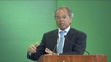 Paulo Guedes critica intervenção política nos bancos públicos - Ministro da Economia disse ainda que as intervenções motivadas por interesses políticos e privados causaram prejuízos à Caixa Econômica.