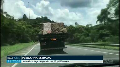 Preso motorista de caminhão que fugiu da polícia por mais de 60 km na região de Curitiba - Motorista fazia manobras perigosa. Ele assumiu que estava drogado.