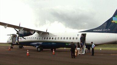 Aeroporto de Toledo começa a operar voos comerciais - Uma companhia área vai realizar voos semanais para Curitiba.
